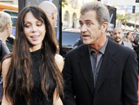 Mel Gibson talking to Oksana Grigoriev