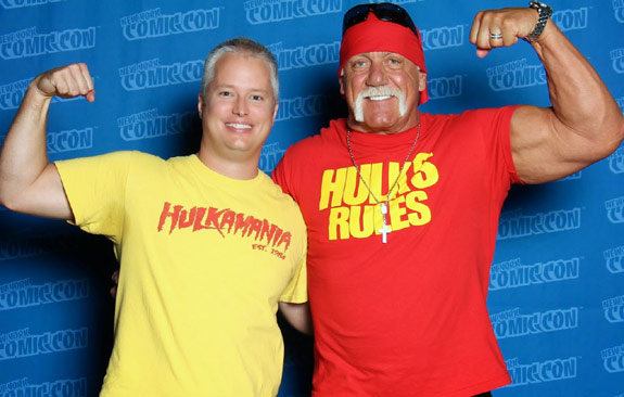 Man with Hulk Hogan Hulkamania tshirt