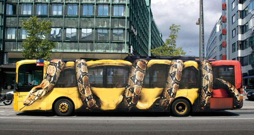 Snakes on a bus movie