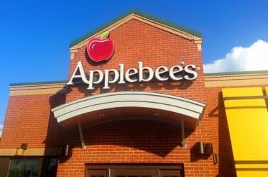 Applebee's restaurant storefront