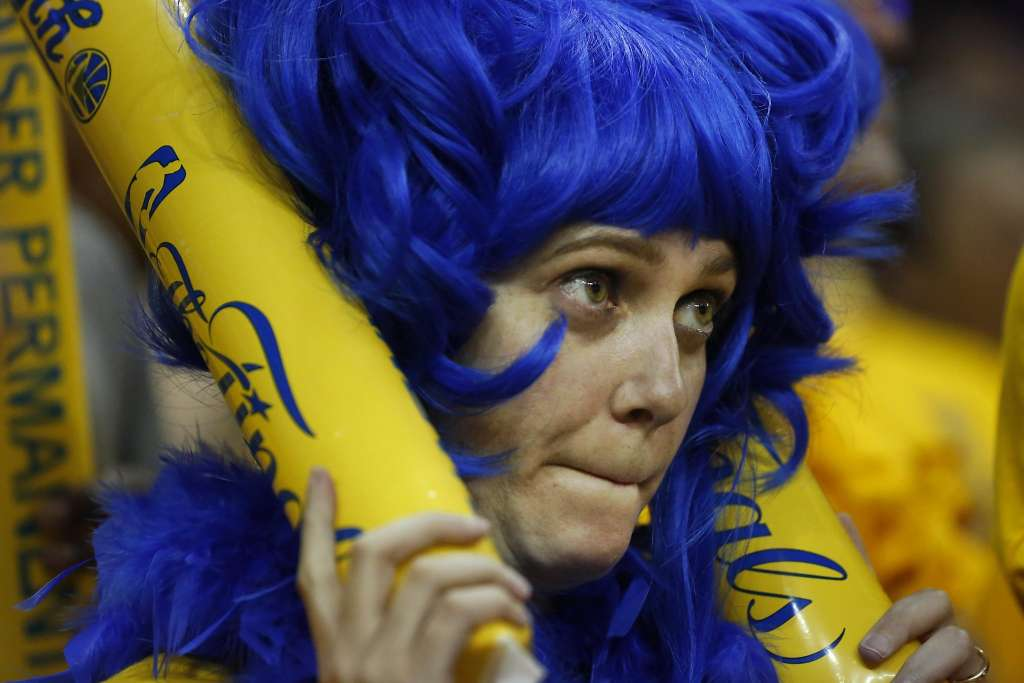 6 Reasons Your Ugly-Cry at This Basketball Game is Ruining My Life