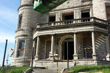 Shoddy mansion falling apart
