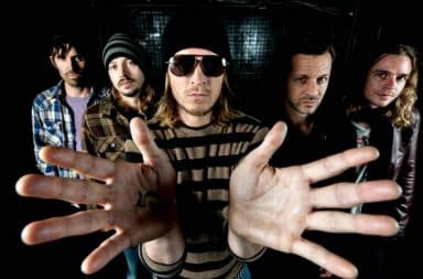 Puddle of Mudd hands open