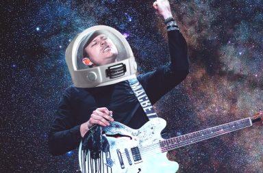 Tom DeLonge dressed as an astronaut