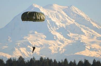 DB Cooper parachute jump