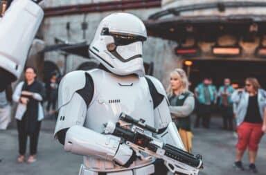 Star Wars trooper with gun