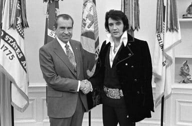 elvis and nixon chilling in the white house