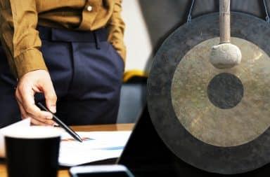 gong in office